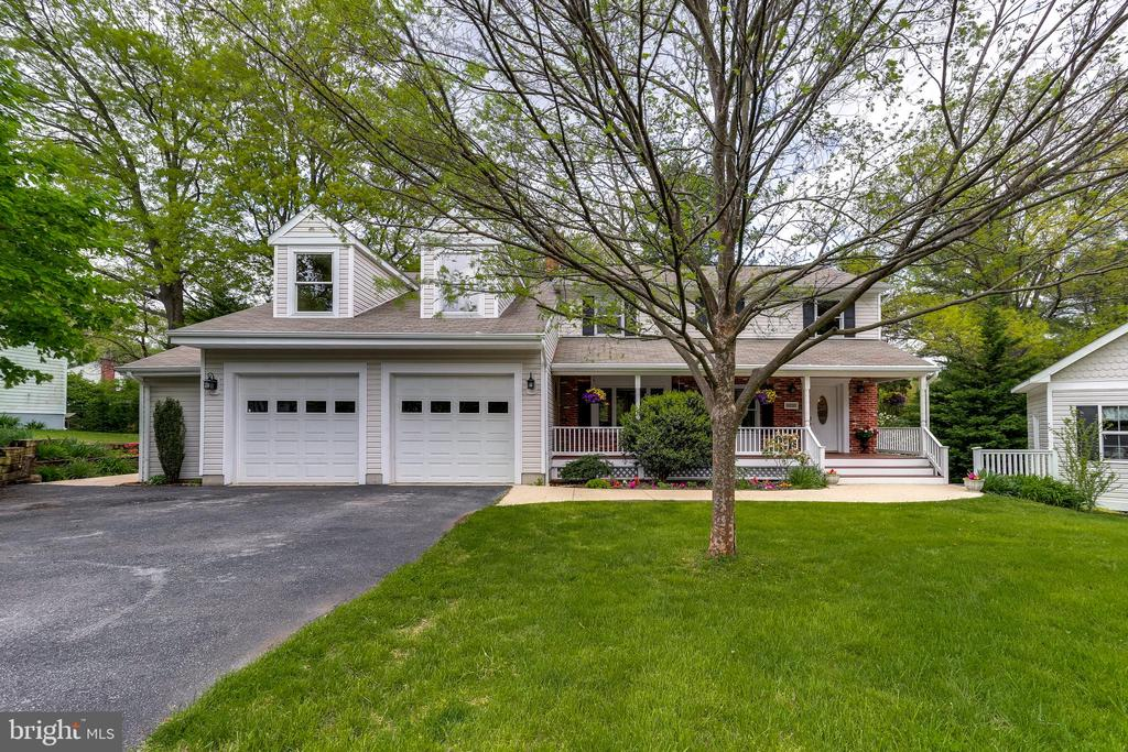 Colonial with Covered Front Porch - 6106 SEBRING DR, COLUMBIA