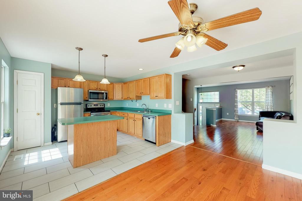 Kitchen - 17529 BRISTOL TER, ROUND HILL