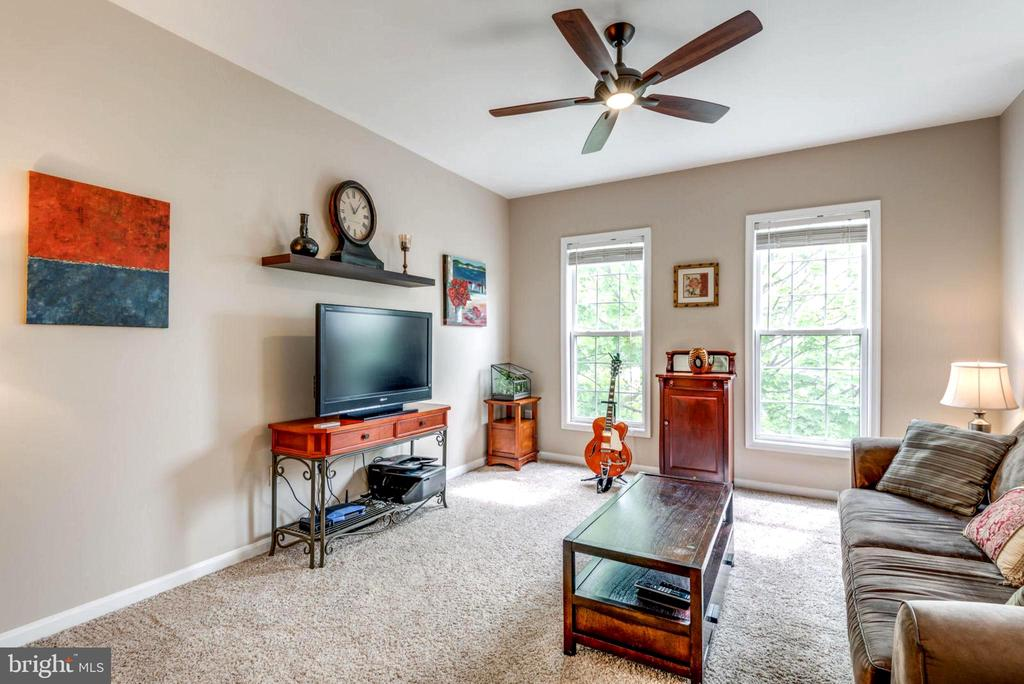 Open Concept Living Room Viewed from Stairs - 2582 LOGAN WOOD DR, HERNDON