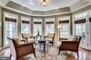 Gorgeous sunroom for morning coffee - 25647 S VILLAGE DR, CHANTILLY