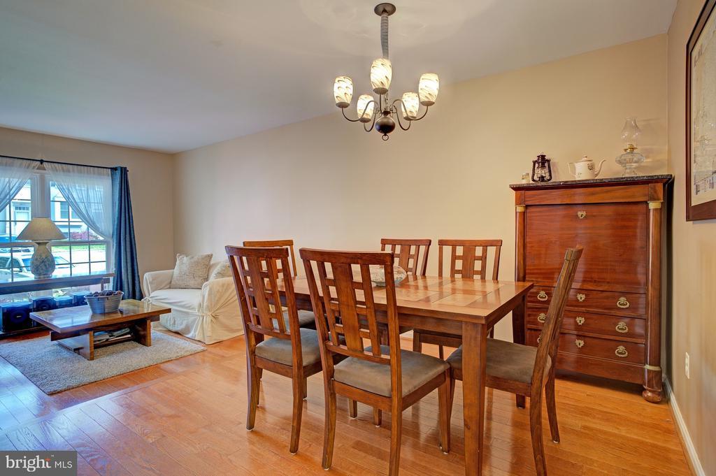 Open floor plan - 6900 COMPTON VALLEY CT, CENTREVILLE
