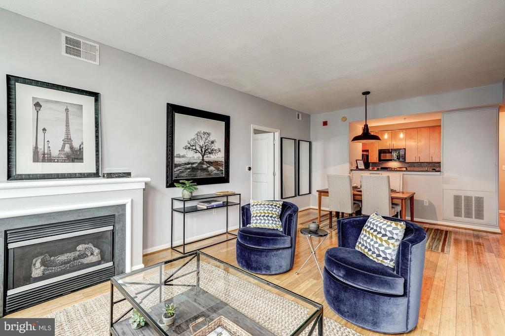 Gas fireplace to cozy up to! - 715 6TH ST NW #1003, WASHINGTON