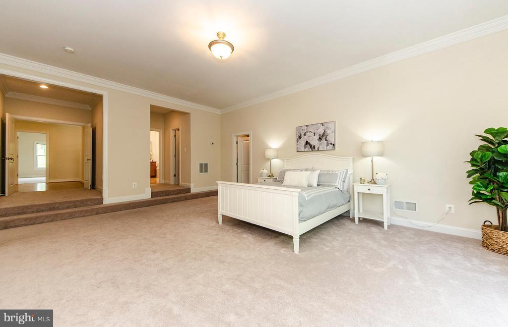 Master Bedroom - 7919 N PARK ST, DUNN LORING