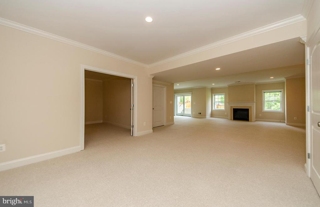 Lower Level Rec Room - 7919 N PARK ST, DUNN LORING