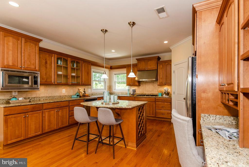 Kitchen - 7919 N PARK ST, DUNN LORING