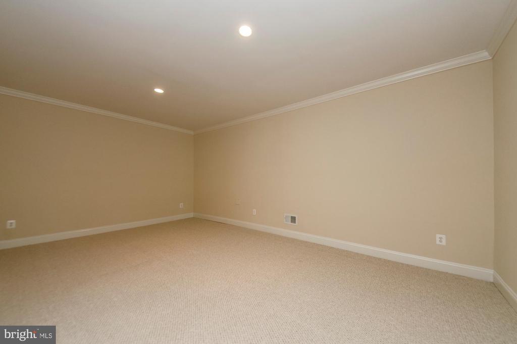 Lower Level Exercise Room - 7919 N PARK ST, DUNN LORING