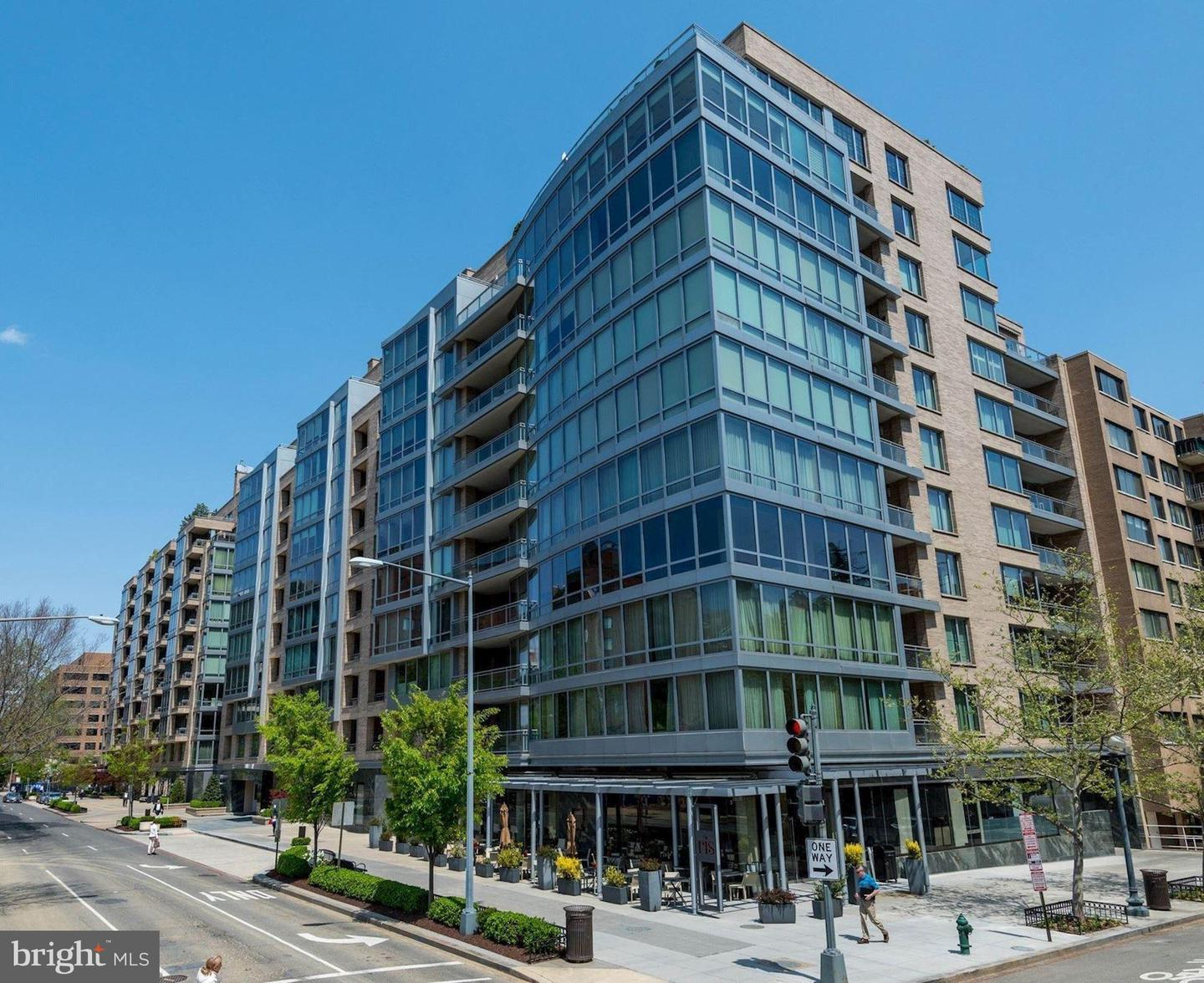 Single Family Home for Sale at 1111 23rd St NW #3f Washington, District Of Columbia 20037 United States