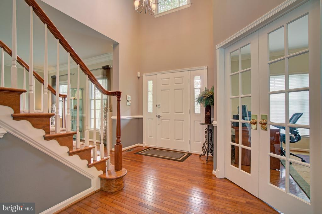 Beautiful hardwood floors in pristine condition. - 10753 BLAZE DR, RESTON