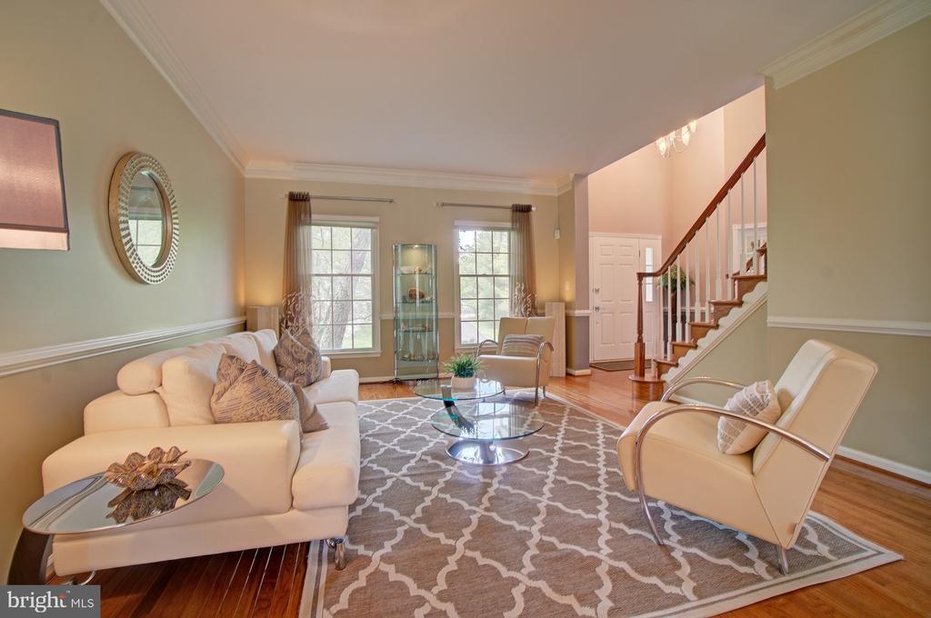 Abundance of light in this fabulous home. - 10753 BLAZE DR, RESTON