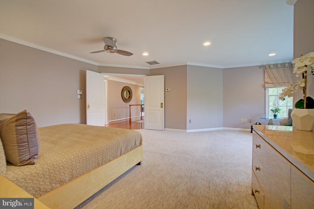New premium, plush~carpet in all 4 bedrooms 2015 - 10753 BLAZE DR, RESTON