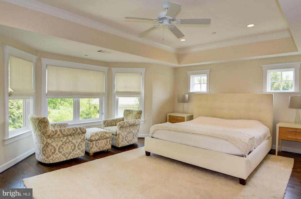 Master Bedroom - 5211 CARLTON ST, BETHESDA