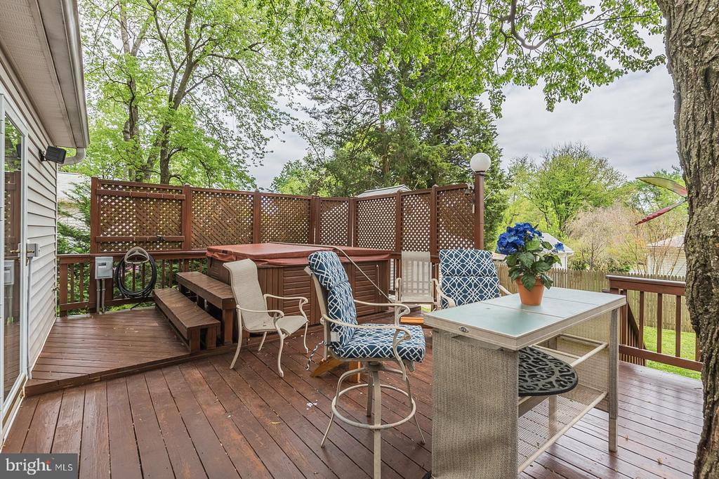 Deck and Hot tub- Furniture conveys - 7425 TILLMAN DR, FALLS CHURCH