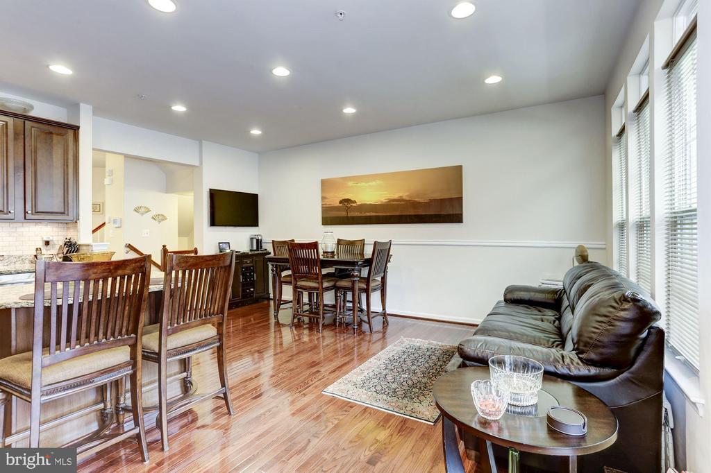 Family Room - 3814 HANSBERRY CT NE, WASHINGTON