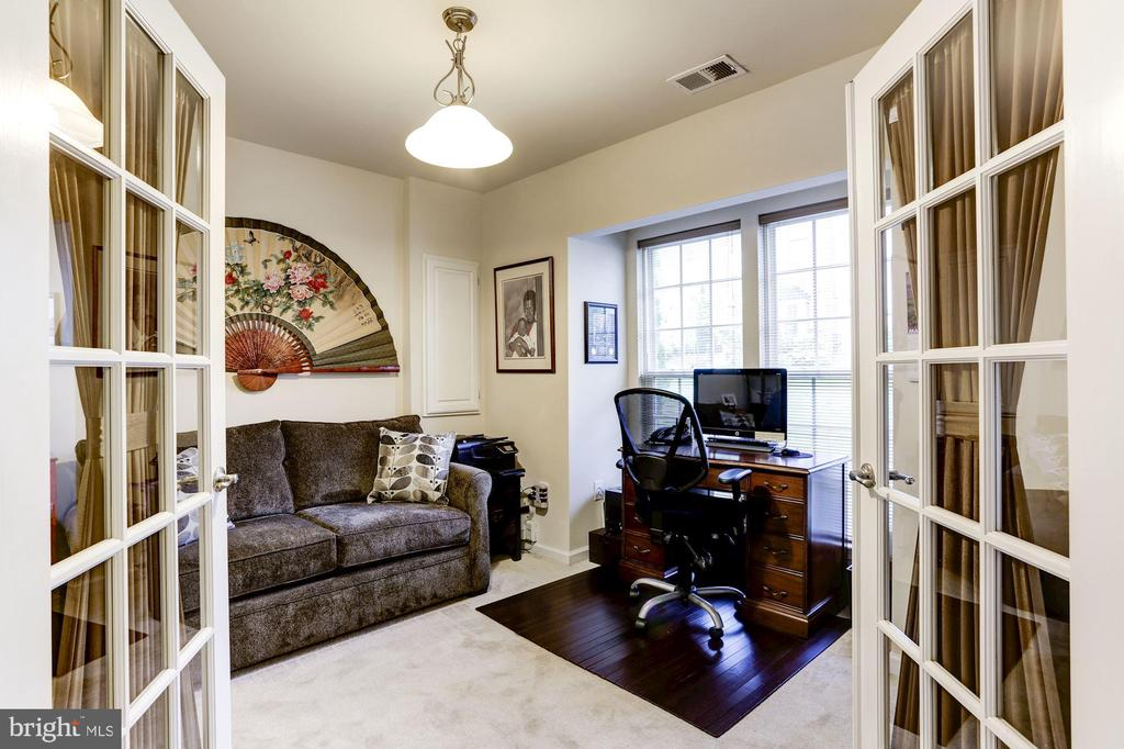 Third bedroom/den - 3814 HANSBERRY CT NE, WASHINGTON