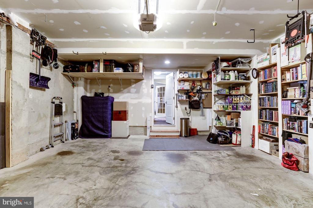 Lots of storage - 3814 HANSBERRY CT NE, WASHINGTON
