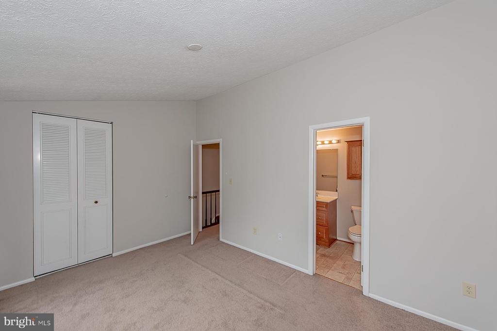 Master Bedroom - 7868 MARIOAK DR, ELKRIDGE