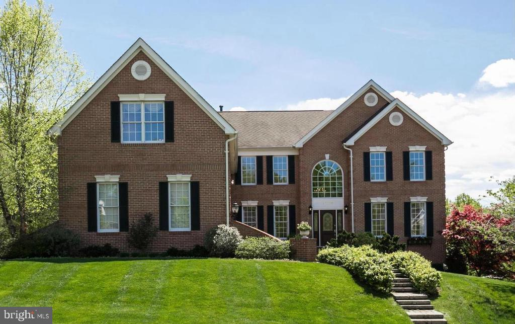 Colonial Front - 12709 OX MEADOW DR, HERNDON