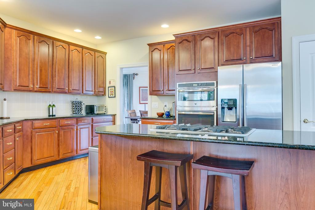 Kitchen - 12709 OX MEADOW DR, HERNDON