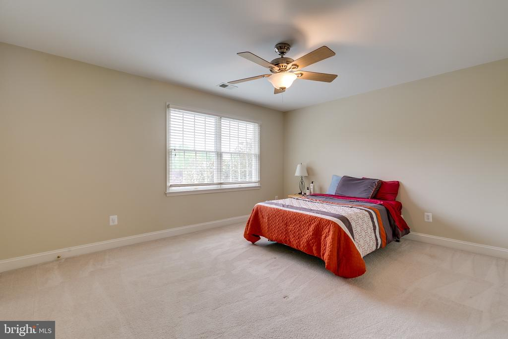 Large Bedroom - 12709 OX MEADOW DR, HERNDON