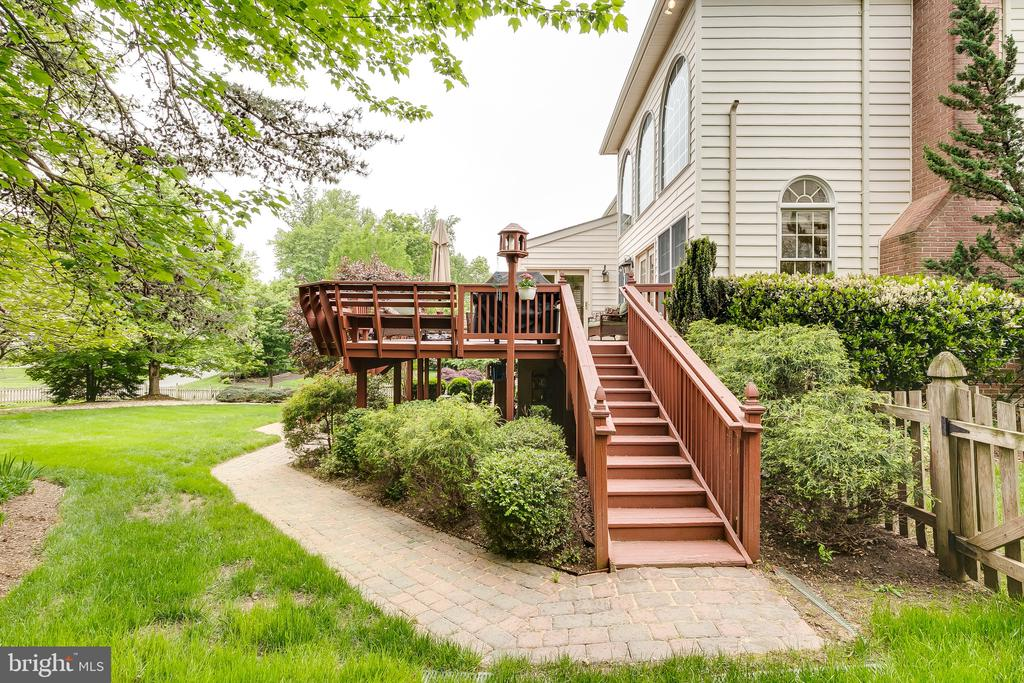 - 12709 OX MEADOW DR, HERNDON