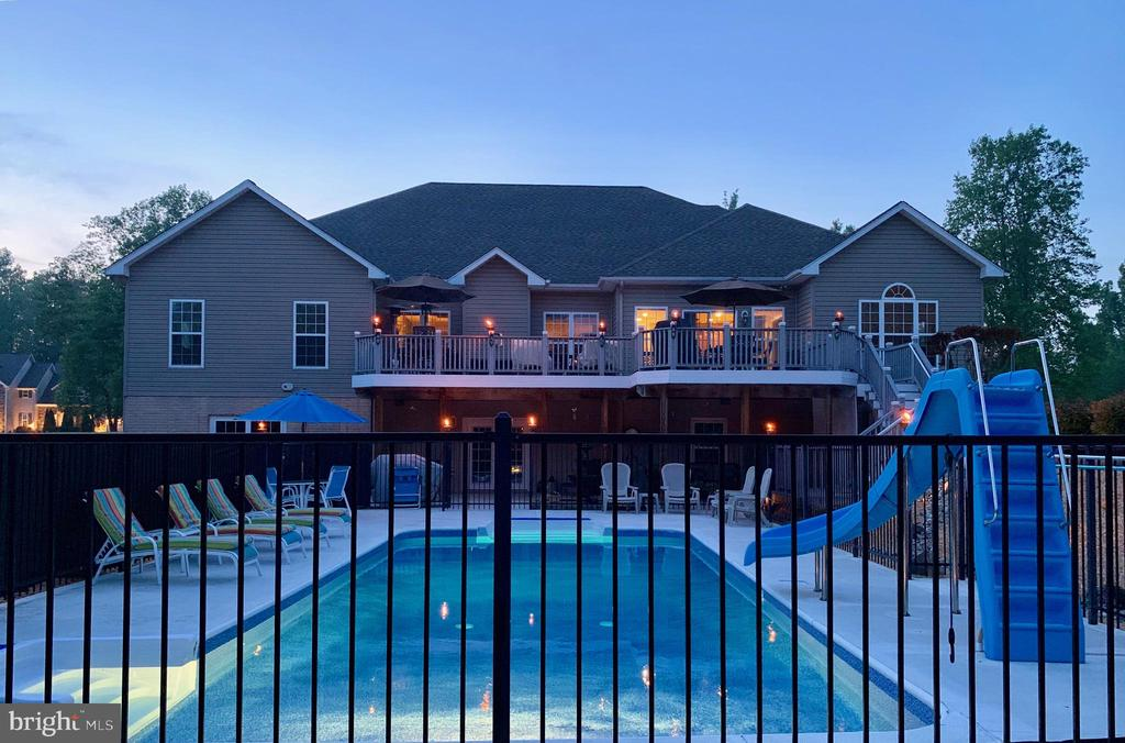 Pool at Dusk - 46 ALDERWOOD DR, STAFFORD