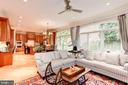 Open family room/kitchen concept opens to patio - 1734 N GEORGE MASON DR, ARLINGTON