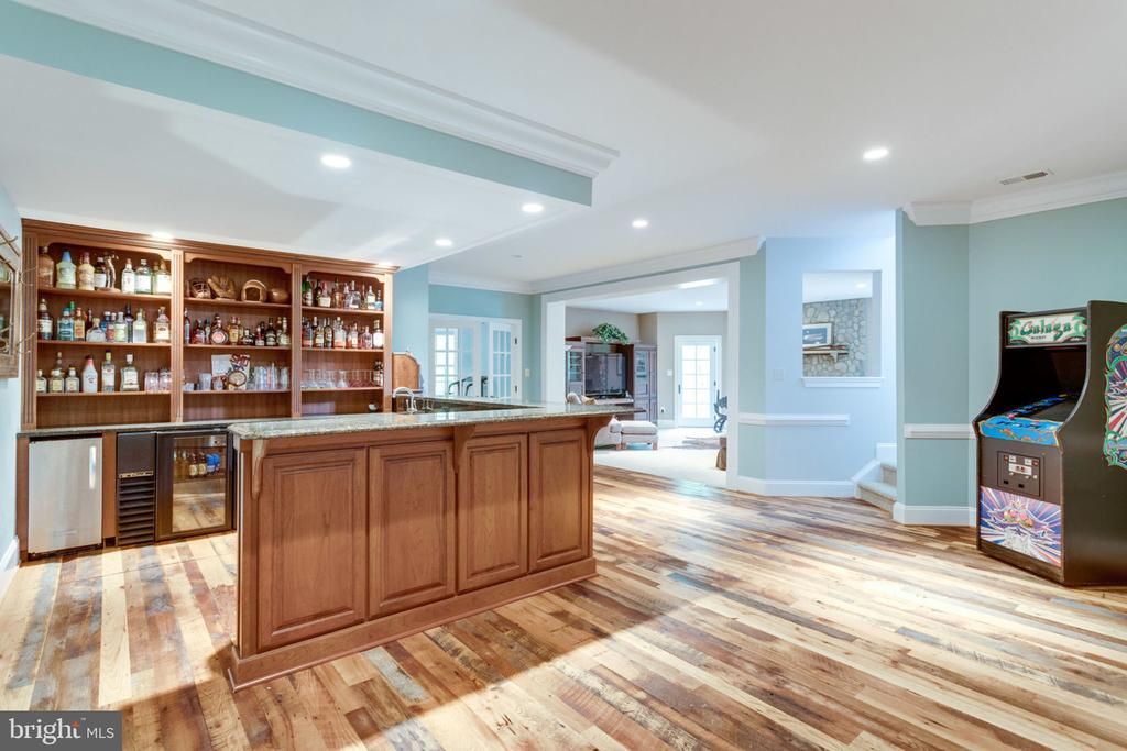 Lower Level Wet Bar with Antique Barn Wood Floors - 3195 ARIANA DR, OAKTON