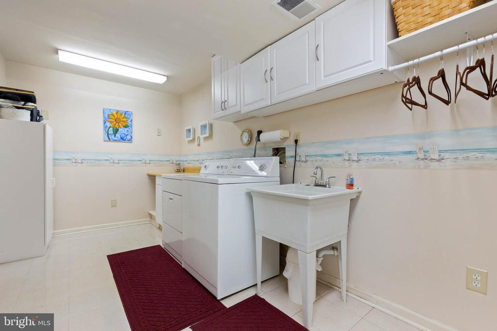 Laundry Room - 15616 NEATH DR, WOODBRIDGE