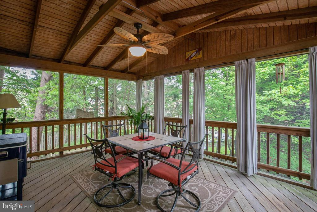 Screened Porch - 15616 NEATH DR, WOODBRIDGE