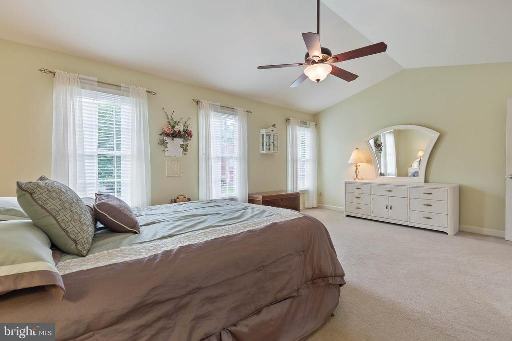 Master Suite - 15616 NEATH DR, WOODBRIDGE