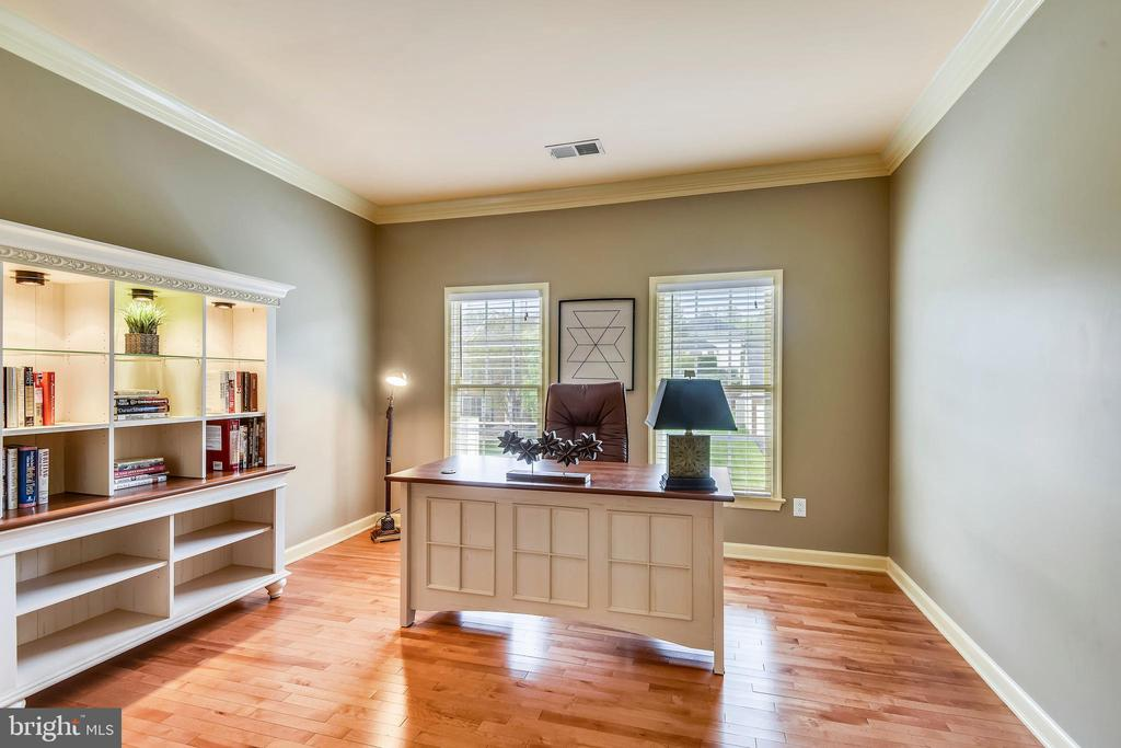 They are using 4th Bedroom as a great office! - 6846 CREEK CREST WAY, SPRINGFIELD
