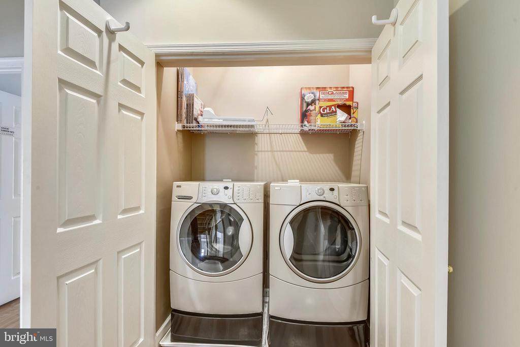Front Loading Washer and Dryer on Upper Level! - 6846 CREEK CREST WAY, SPRINGFIELD
