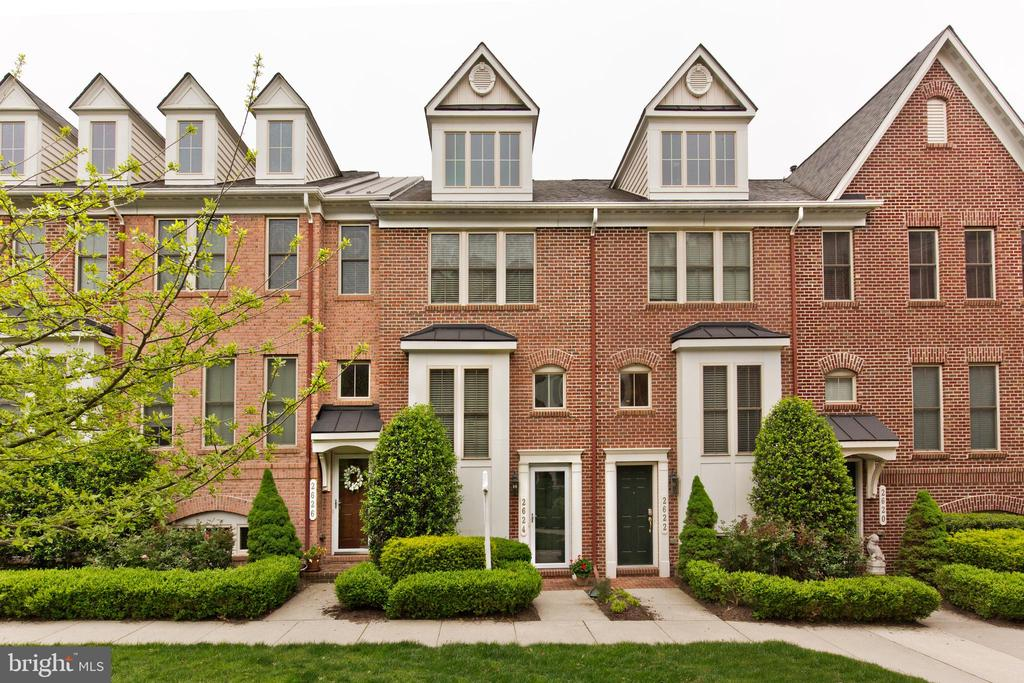 Amazing townhouse!!! - 2624 S KENMORE, ARLINGTON
