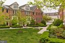 Gorgeous court yard - 2624 S KENMORE, ARLINGTON