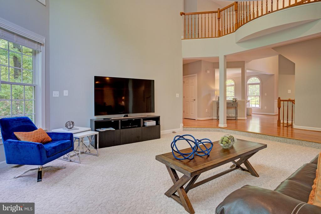 Two-story living room - 1590 MONTMORENCY DR, VIENNA