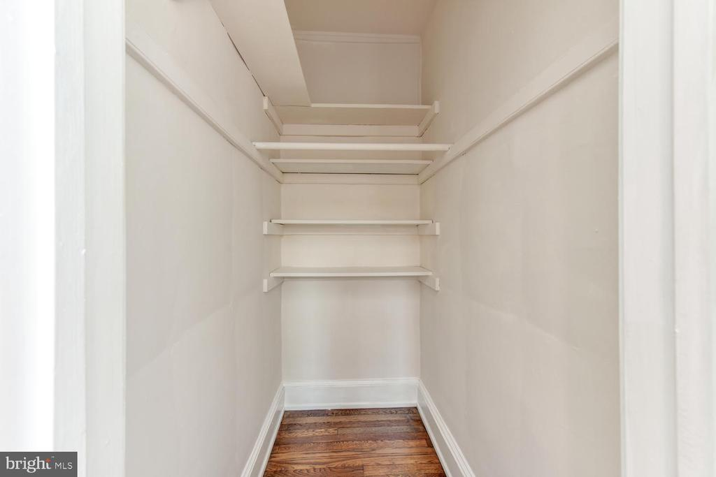 Walk-in closet in bedroom - 3600 CONNECTICUT AVE NW #306, WASHINGTON