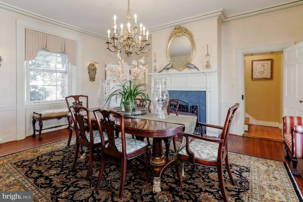 Original floors are a historian's dream - 40041 HEDGELAND LN, WATERFORD