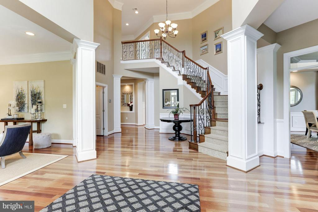 Incredible Two-Story Entry Foyer - 19060 AMUR CT, LEESBURG