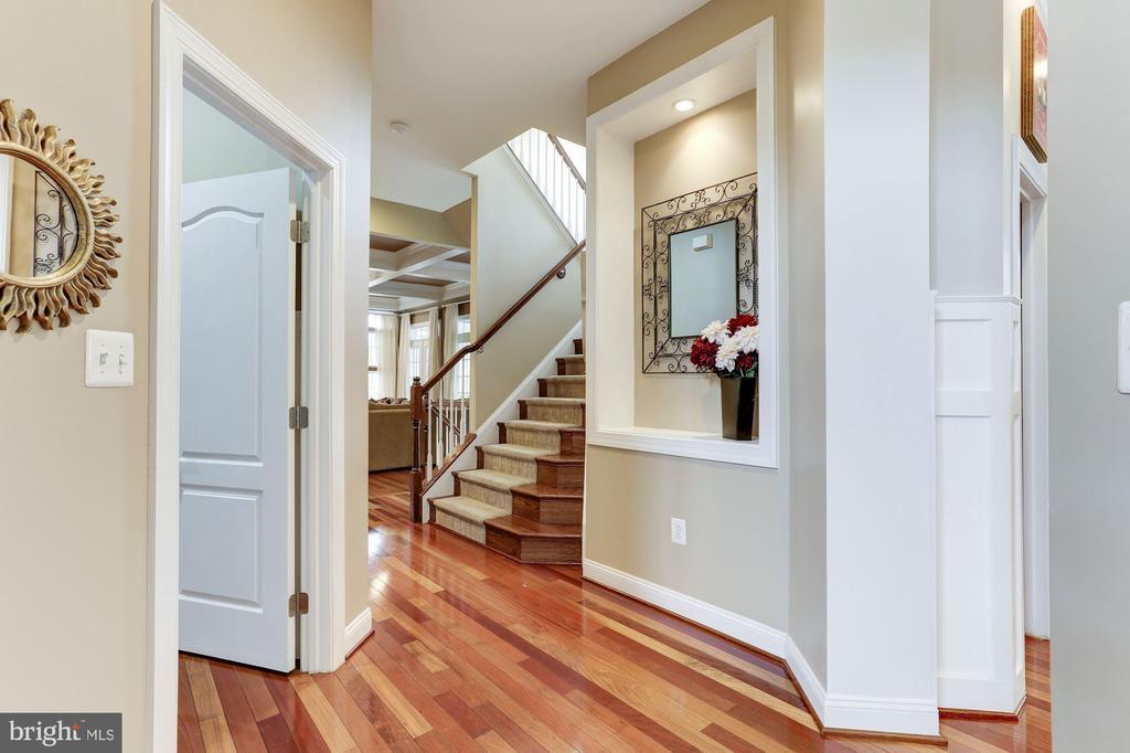 Back Foyer Hall - 19060 AMUR CT, LEESBURG