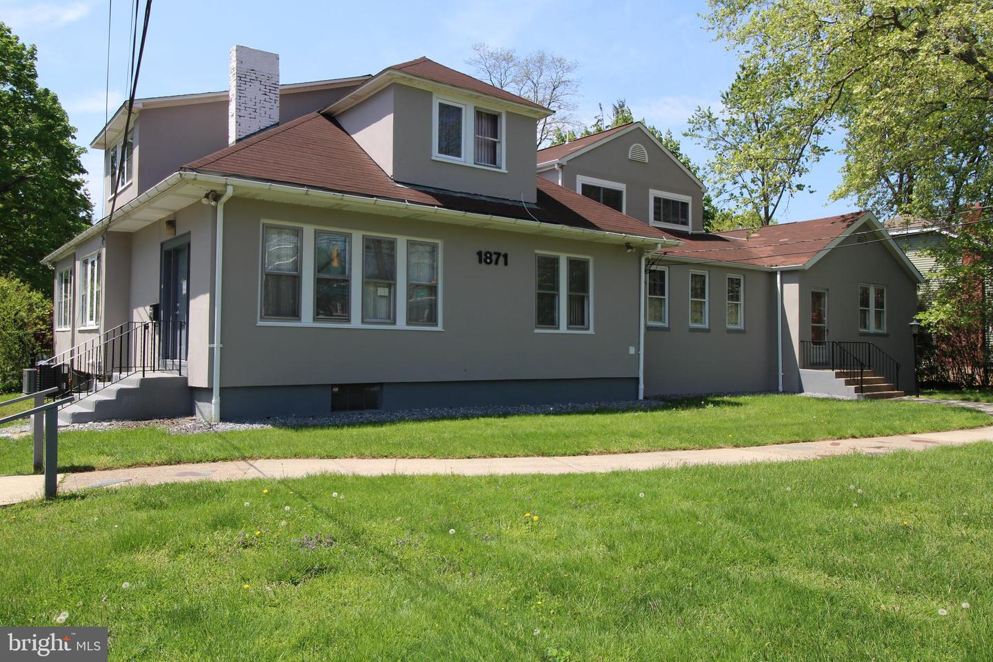 Single Family Home for Sale at Ewing, New Jersey 08618 United States