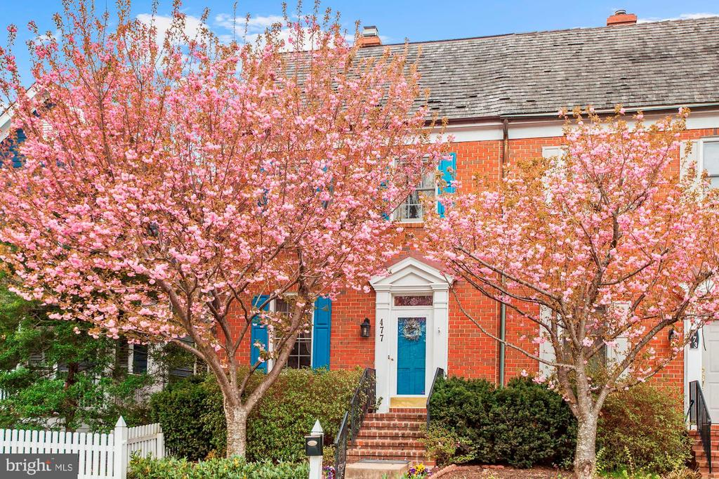 477  TSCHIFFELY SQUARE ROAD, one of homes for sale in Gaithersburg
