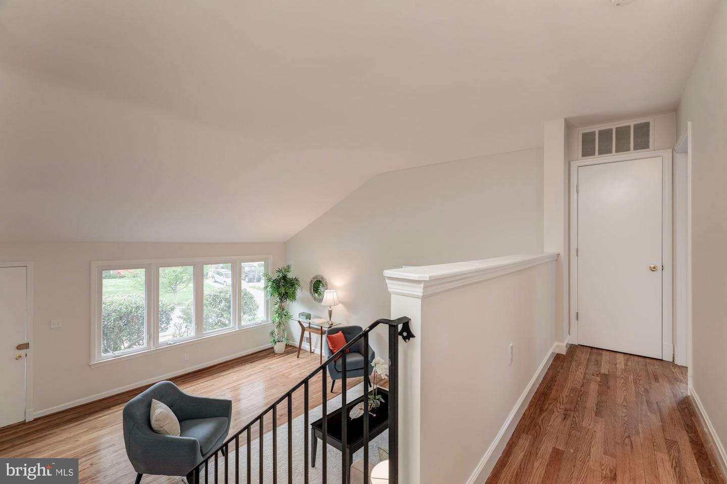 Additional photo for property listing at 5007 Jamestown Rd Bethesda, Maryland 20816 United States