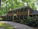 Brick Colonial- Circular Drive - 4345 BANBURY DR, GAINESVILLE