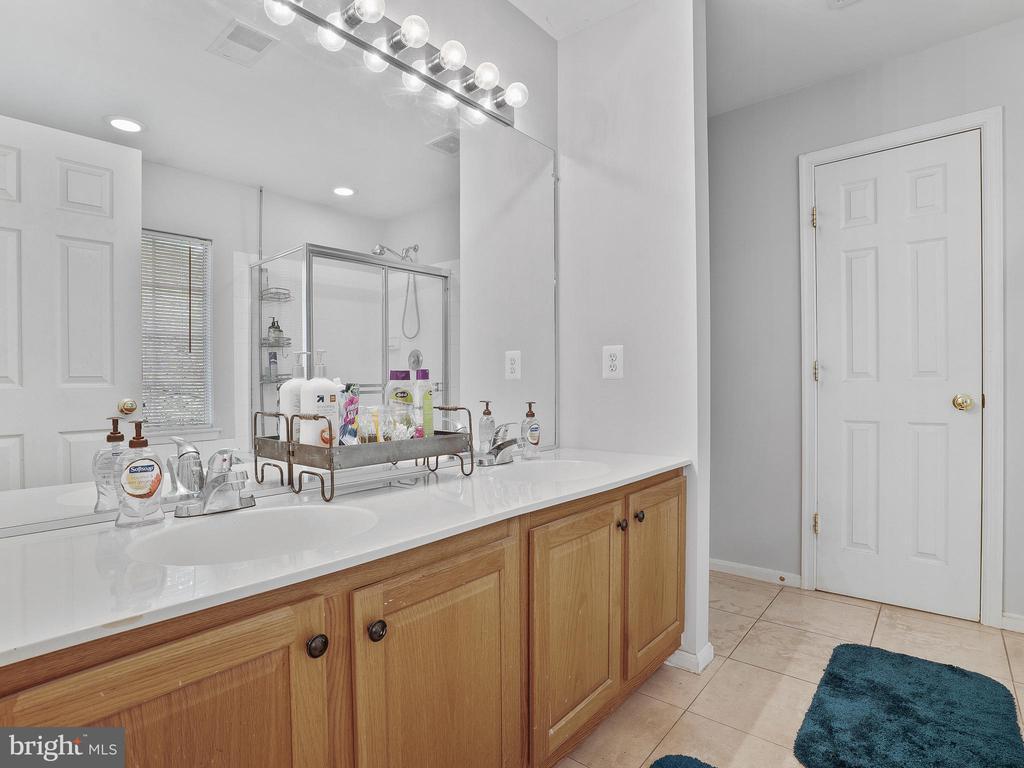 Master Bathroom - 5947 HARVEST SUN RD, WOODBRIDGE