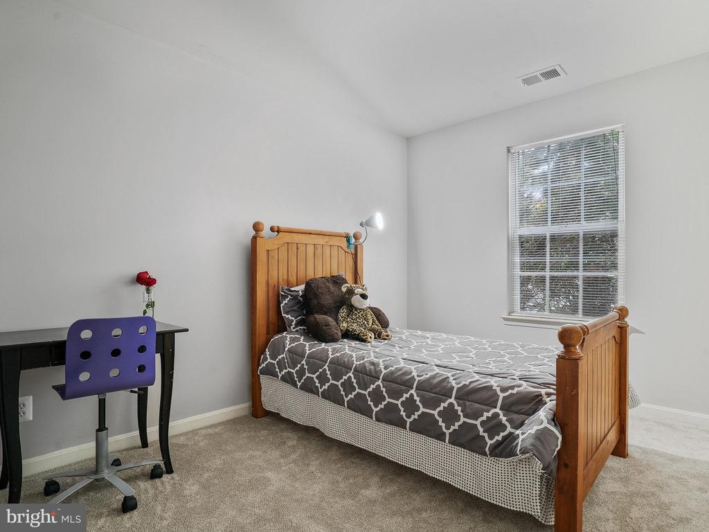 Bedroom 2 Upper Level - 5947 HARVEST SUN RD, WOODBRIDGE