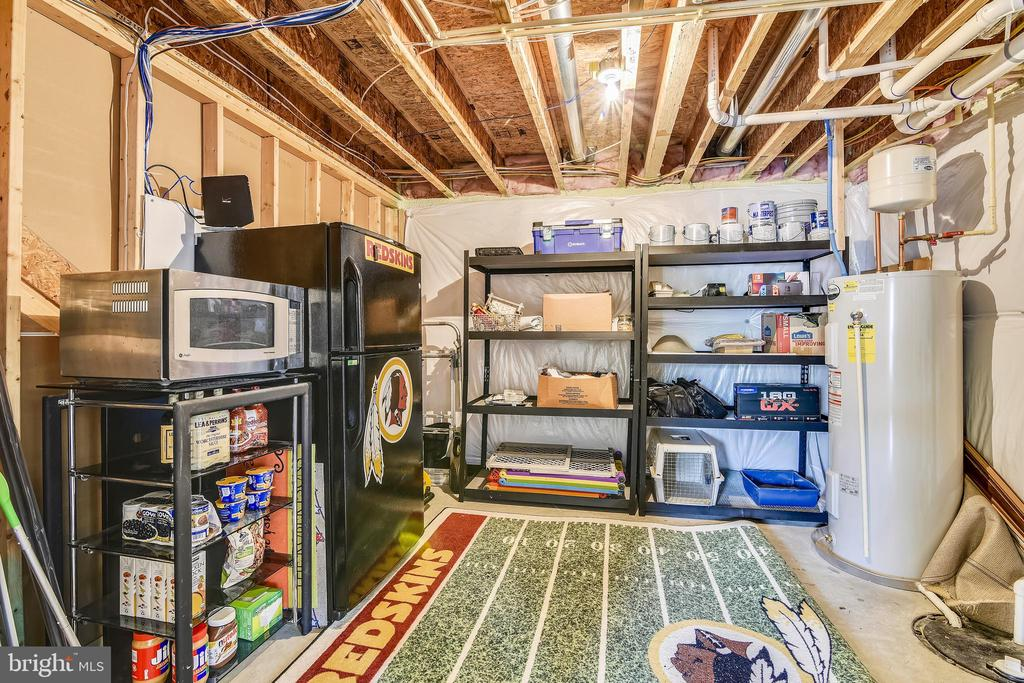 Lower level utility room and storage - 11 CORNERSTONE DR, STAFFORD
