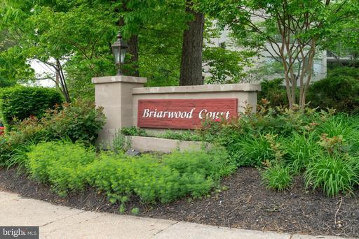 4410 BRIARWOOD CT N #35