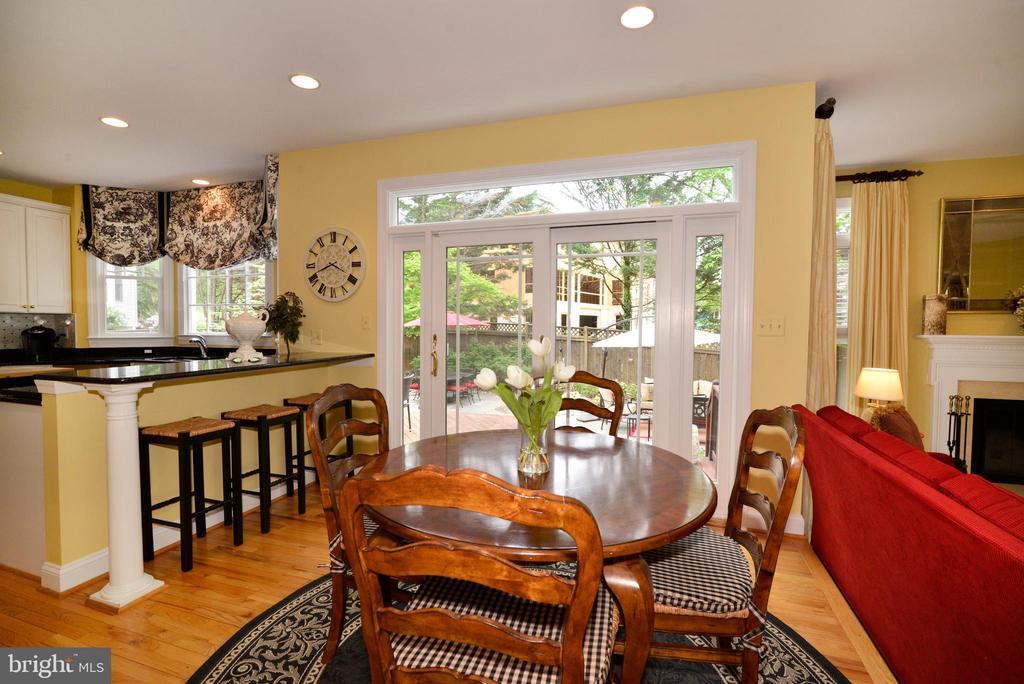 Breakfast room with multiple seating options. - 2403 SAGARMAL CT, DUNN LORING