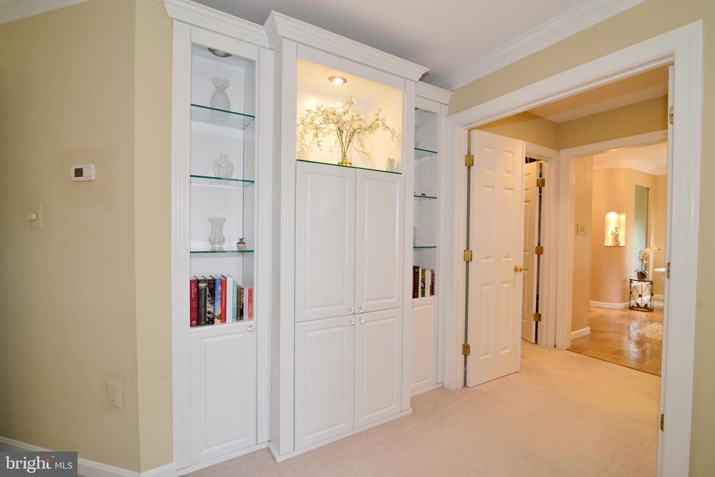 Custom built-ins for owner's suite sitting room. - 2403 SAGARMAL CT, DUNN LORING
