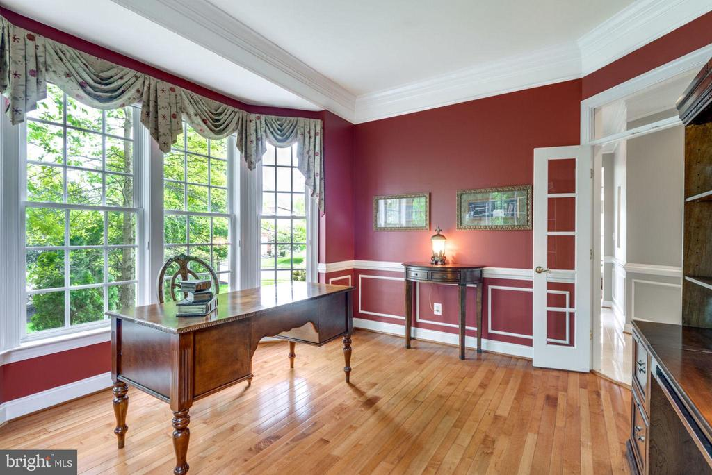 Tray Ceiling, Moldings & French Doors in Library - 42841 SANDHURST CT, BROADLANDS